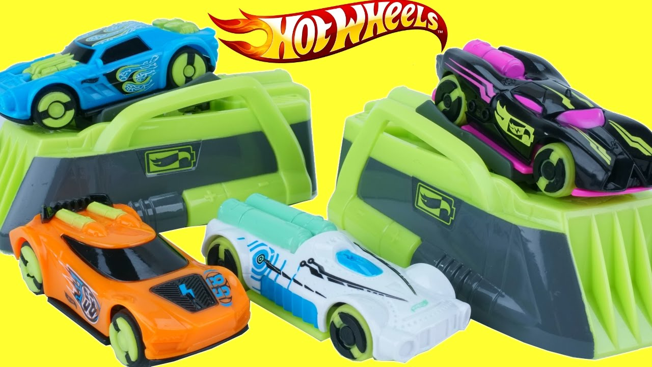 Hot Wheels Sd Chargers Collection Electric Race Cars Freestyle Racetrack 300 Mph Racing