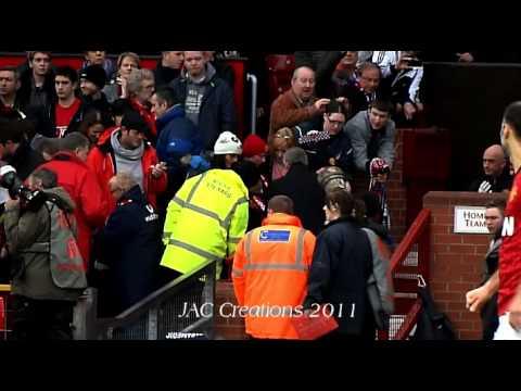 Alex Ferguson Makes Sure He Shakes Hands With Reading Coach After Benitez Accusation