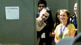 Comic Con France 2011 - Merlin - Peeping Katie McGrath