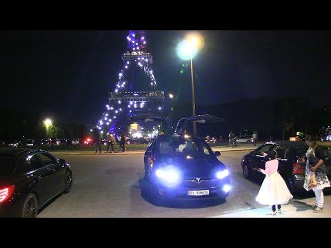 Model X xmas show at Eiffel Tower