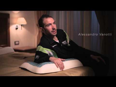 Alessandro Vanotti and Valerio Agnoli (Team Liquigas-Cannondale) training with Technogel Sleeping