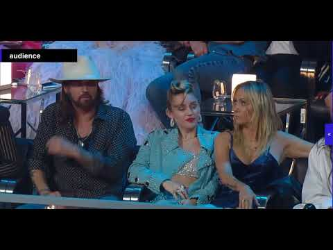 TMBR: Miley Cyrus  - Video Music Awards 2017 (Audience Camera)