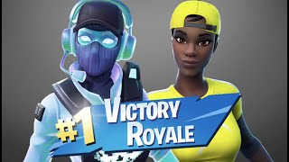 VICTORY ROYALES IN THE NEW BREAKING POINT SKIN W/ MY GIRLFRIEND!! - Fortnite Bataille Royale