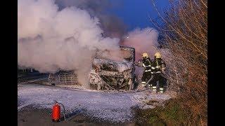 Vrachtwagen in vlammen op in Ravenstein