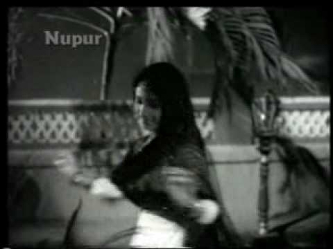Nakli Nawab (1962)-Mast Aankhen Hain ya Chhalke Hue Paimaane do (Asha Bhonsle & Talat Mehmood)