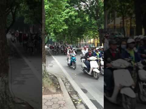 Vietnam's public road without lights