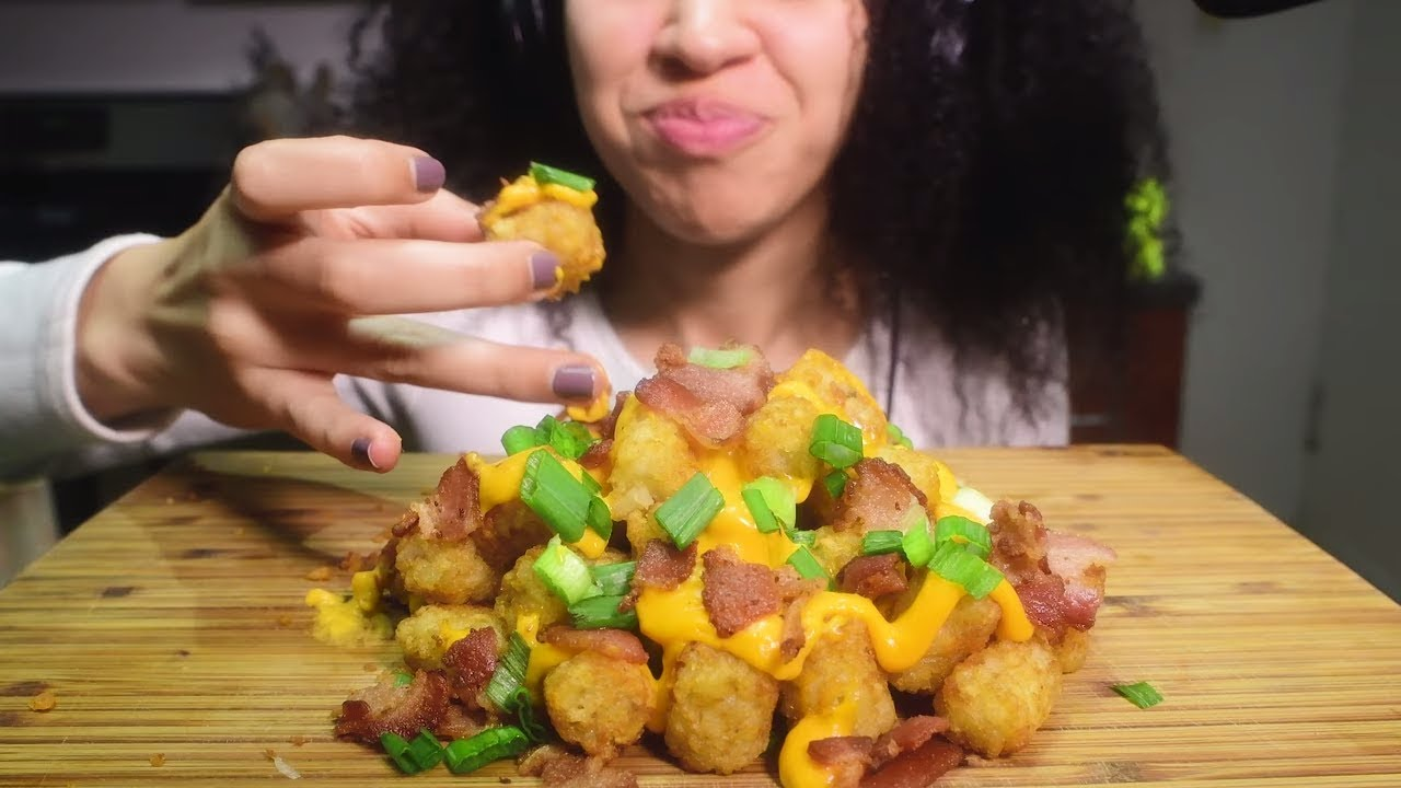 Asmr Extra Cheesy Bacon Tater Tots Gooey Messy Eating Sounds Sammiegirl