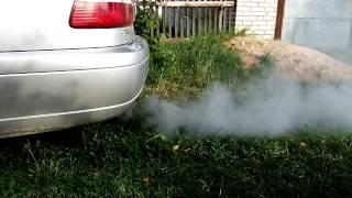 Идет белый дым из выхлопной трубы на Opel Omega B .ПОЧЕМУ!!!