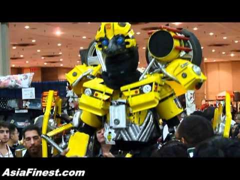 Transformer Bumblebee at New York Anime Festival NYAF 2009