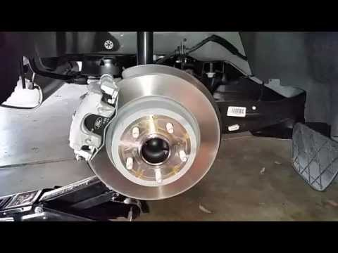 2013-2016 Ford Escape SUV - Checking Rear Disc Brakes - Caliper, Rotor, Bracket, Pads