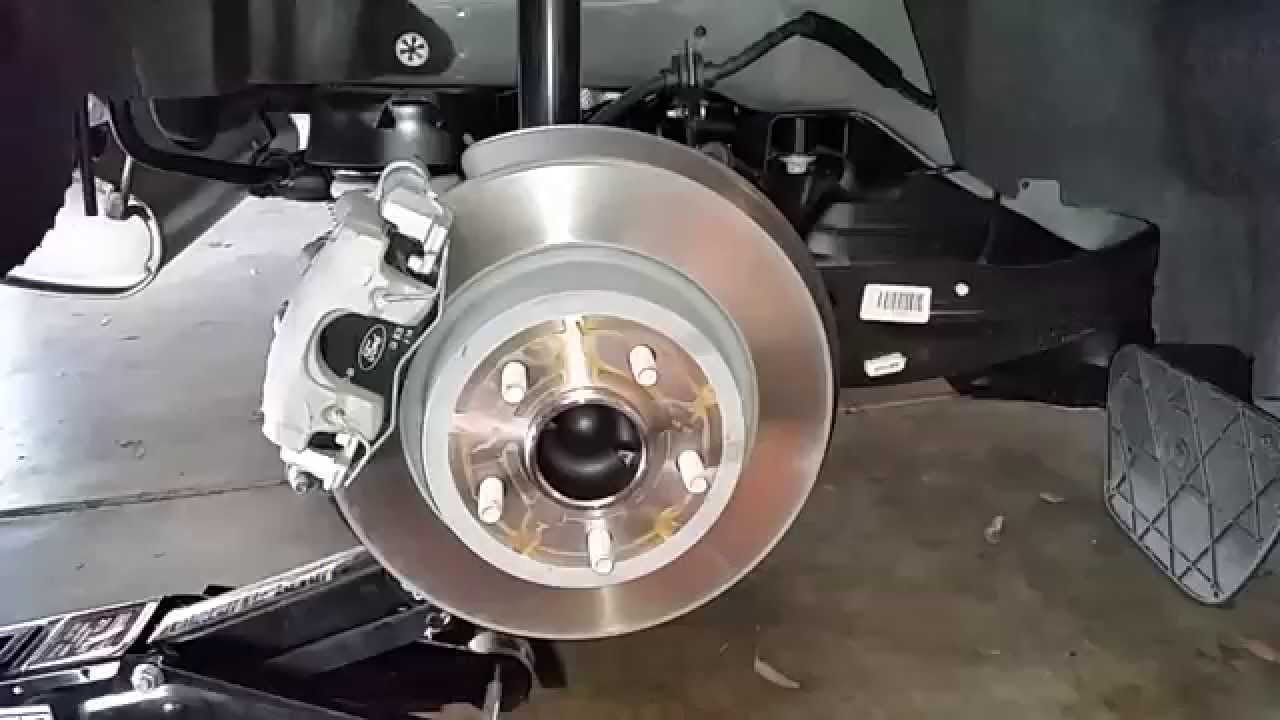 Ford Escape Suv Checking Rear Disc Brakes Caliper Rotor Bracket Pads Youtube