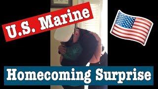 U.S. Marine Surprises Mom For Christmas 2015