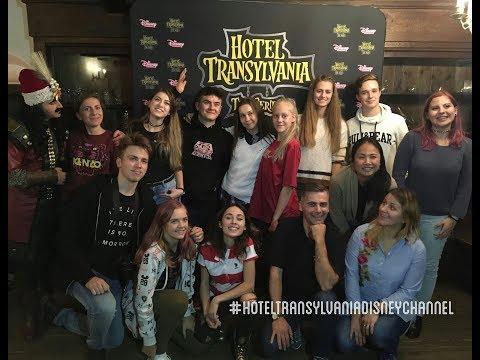 Youtubeři v Transylvánii - večeře s hrabětem Drákulou ...   /LEA
