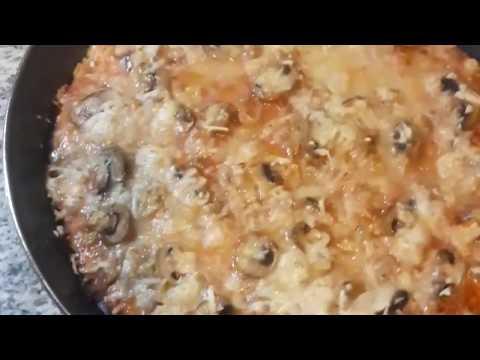 صورة  طريقة عمل البيتزا طريقة عمل البيتزا الفطر الرائعة بعجينة سهلة و رائعة طريقة عمل البيتزا من يوتيوب