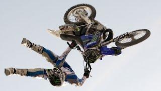 Трюки на мотоциклах.Захватывающее видео.Смотреть всем.
