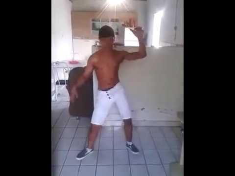 TWERK - Mexican Boy Dancing Twerk(Music Brazilian)