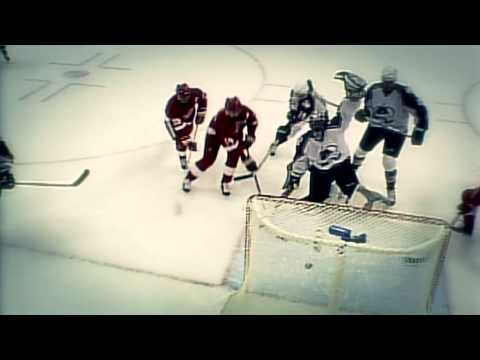 Stanley Cup Moments: Roy's 'Statue of Liberty' gaffe
