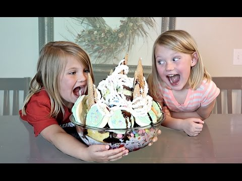 Thumbnail: WORLD'S LARGEST ICE CREAM SUNDAE!!