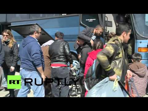 Greece: 1,500 refugees arrive at Elefsina port from Lesbos