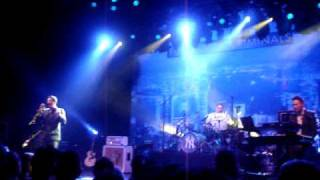 Fun Lovin' Criminals - Mister Sun live 19 3 2010 Paard Troje Den Haag The Netherlands