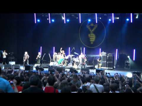 Gogol Bordello - scandal performance of Dynamo Kiev fans' song in Moscow
