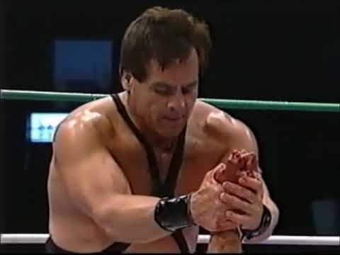 Mascara Ano 2000 vs Pierroth Jr (CMLL March 10th, 2000)