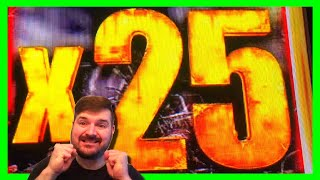 I LAND THE 25X!! FOR THE SECOND TIME EVER IN MY LIFE On WALKING DEAD SLOT MACHINE! Win W/ SDGuy1234