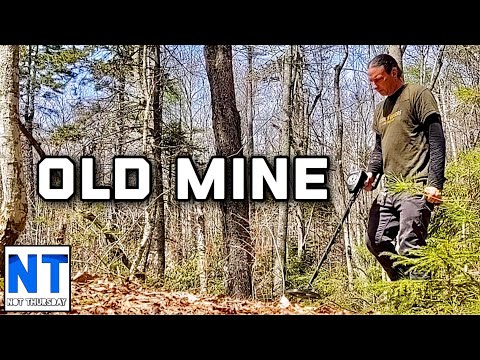 Exploring A Lead Graphite Mine From The 1700s In New Hampshire That Is Abandoned