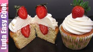 КАПКЕЙКИ на ПРАЗДНИК Вкусные КАПКЕЙКИ с Клубникой - STRAWBERRIES CUPCAKE RECIPE Cupcakes Decorating