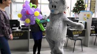Сюрприз для девушки в санкт-петербурге ,неожиданно доставит мишка тедди ,романтика подарки,цветы(, 2014-12-15T14:25:47.000Z)