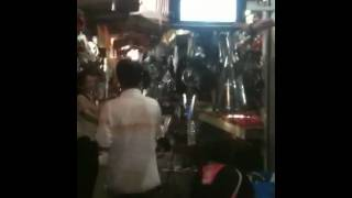 How to put up a flat screen in Tuol Tumpong market