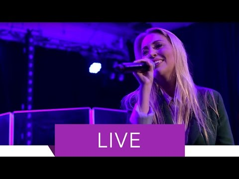 Alexa Feser - Wunderfinder feat. Curse (Live)