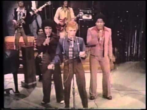 David Bowie - Footstompin' (Live Dick Cavett Show 1974)