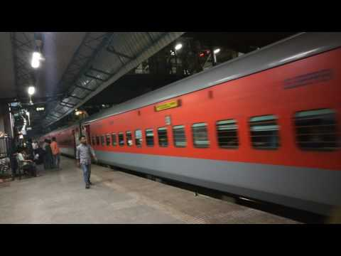[4K] Sparkling LHBified Kushinagar Express Departs Thane Station | Indian Railways