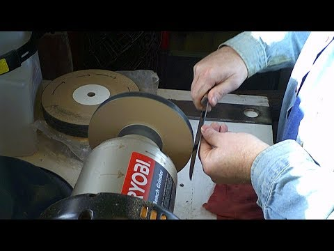 Quick Knife Sharpening on Paper Wheel (MDF)