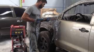 Proceso de Reparación Puerta Toyota Hilux