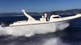 Tempest 40 con 2x350 Yamaha in navigazione