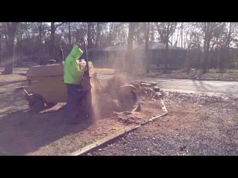 Stump Grinding made easy by Rayco RG100 part 2