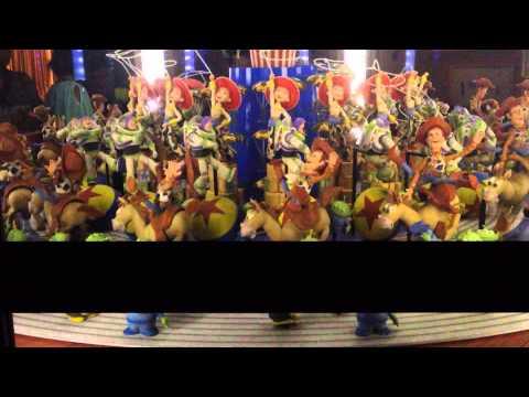 Toy Story example of Phi Phenomenon