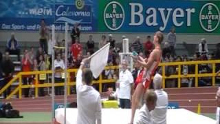 20.02.2011 DM Halle Leverkusen männl. Ju.Hochsprung 2,12m Mateusz Przybylko 1.Platz (Februar 2011)
