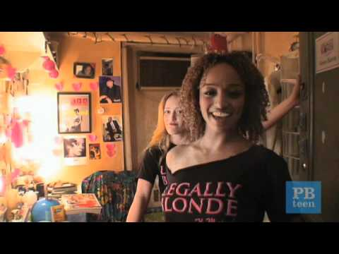 Legally Blonde The Musical: The Broadway Set | PBteen