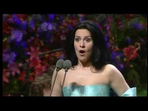 Angela Gheorghiu - Faust: Oh dieu que de bijoux - Llangollen 2001