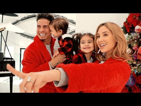 THE ACE FAMILY'S NEW CHRISTMAS INTRO VIDEO!!!