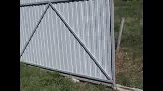 Откатные ворота на даче, очень просто!(Самодельные откатные ворота на даче.Homemade sliding gate at the cottage., 2015-05-24T01:53:00.000Z)