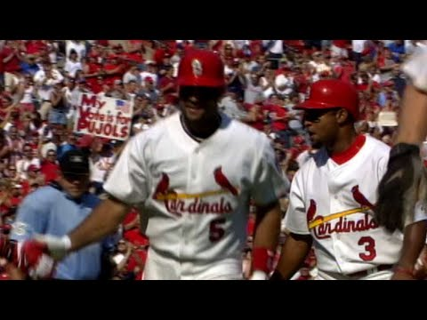 Albert Pujols three-run homer gives Cards the lead