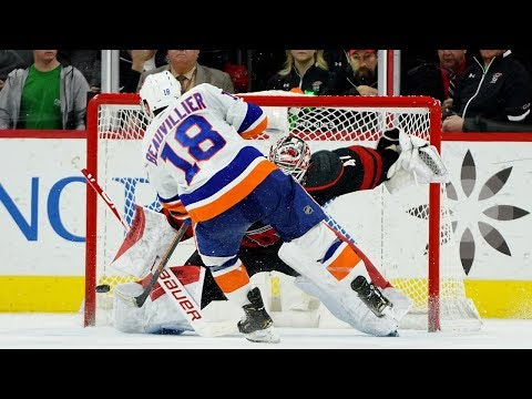 Islanders, Hurricanes, duel in a Sunday shootout
