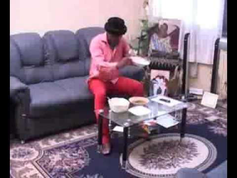 Eza Boto Contre-attaquepart - Une Comedie De Canal 2 International