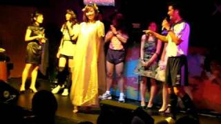 vPost Nuffnang Christmas Party 08 - Best Dressed Catwalk (Cindy) Thumbnail