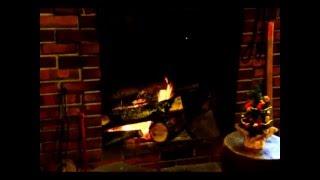 今年も12月、クリスマスがやってきます。 カフェテラス北山の暖炉。火を...
