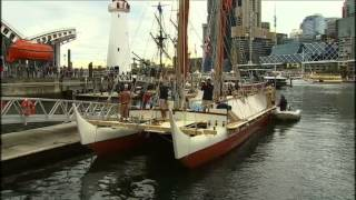 Traditional Polynesian canoe Hokulea sails into Sydney Harbour